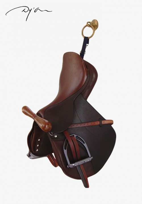 "Dy'On - ""T"" saddle hanger"